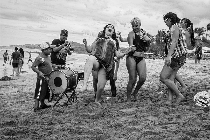 sayulita-beach-party.jpg